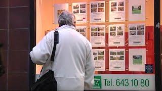 Bostadspriserna fortsätter sjunka - Nyheterna (TV4)