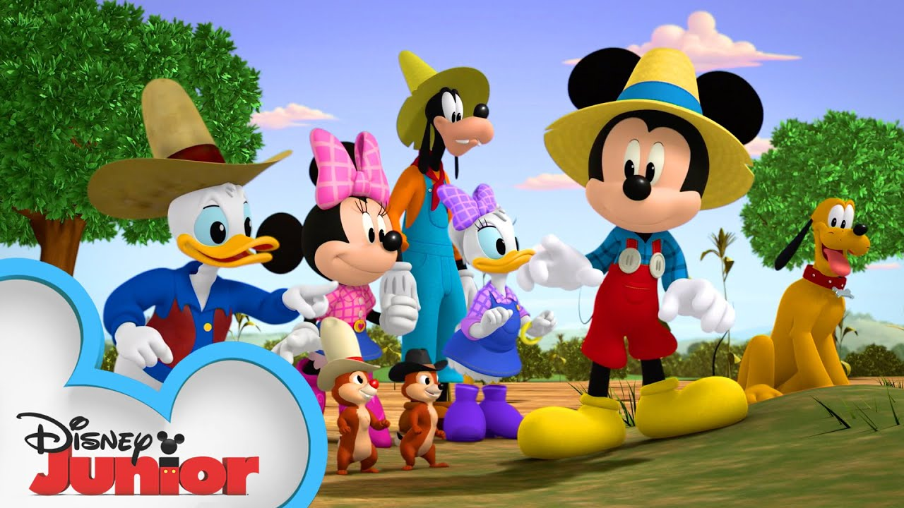 Mickey and Friends Fix a Farm 🚜 | Mickey Mornings | Mickey Mouse Mixed-Up Adventures | Disney Junior