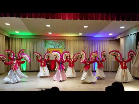 2017 DLI Korean Fan Dance At Monterey Peninsula College