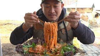 매콤새콤 후루룩~ 골뱅이무침 🍺  먹방~ (Spicy Sea Snails Noodles Mukbang eating show)