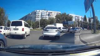 Nissan Tiida BH5330BT догнал в зад Лансер 9, М.Жукова г.Одесса 18-07-2015