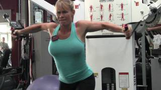 More Sexy Pecs with Clifta- Chest Training- Girl doing Dips