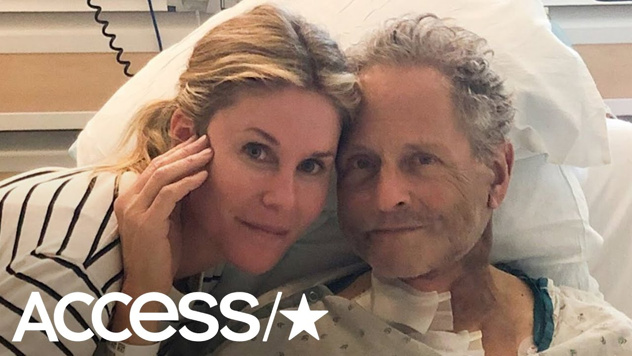 Lindsey Buckingham: Ex-Fleetwood Mac guitarist has heart surgery