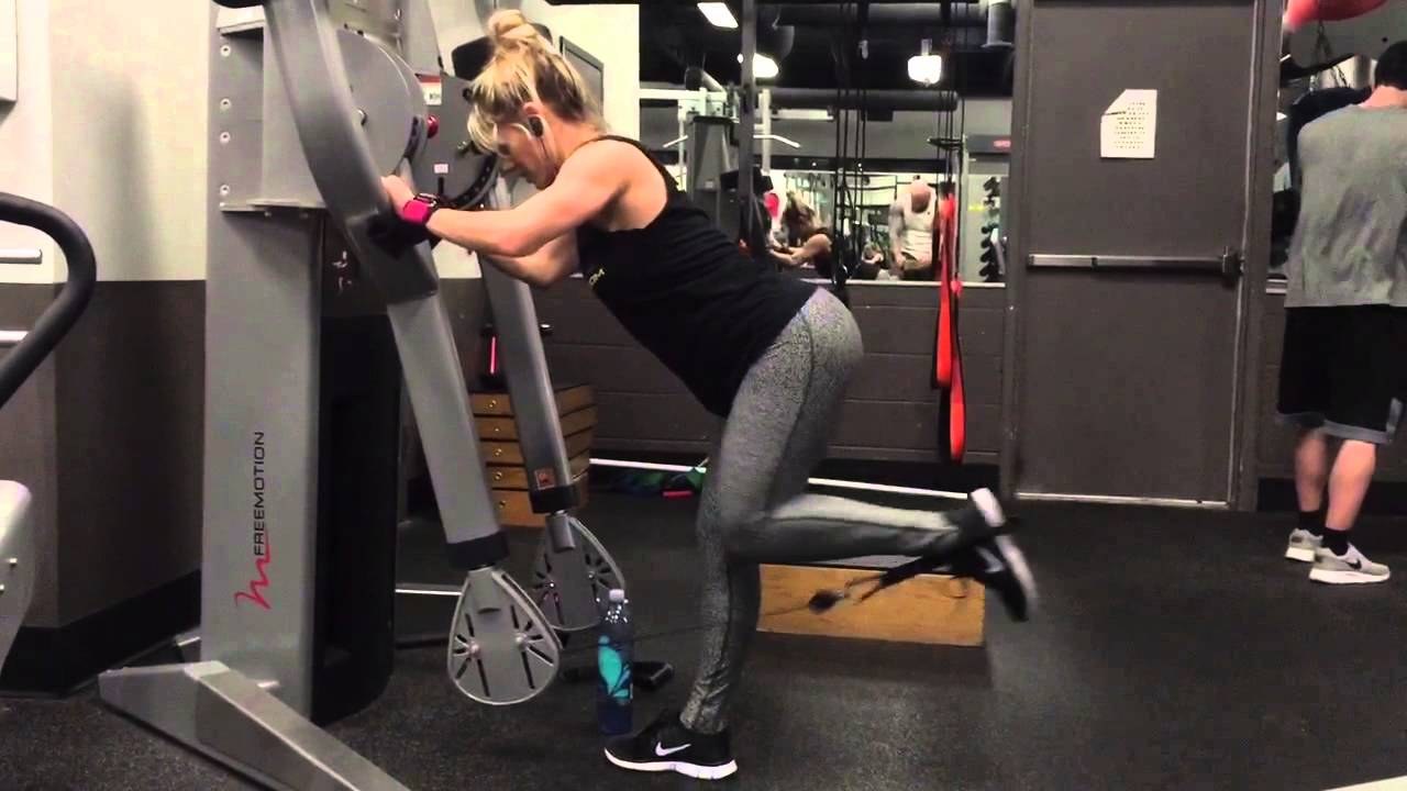 How To Do A Cable Glute Kickback - YouTube