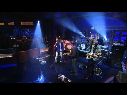 """(HD) Cage The Elephant - """"Shake Me Down"""" 1/11 Letterman (TheAudioPerv.com)"""