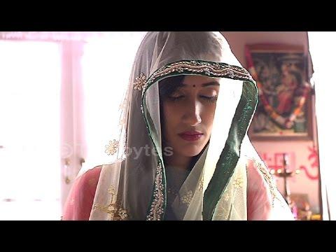 OMG Meera to SLEEP in her Muh dikhai...