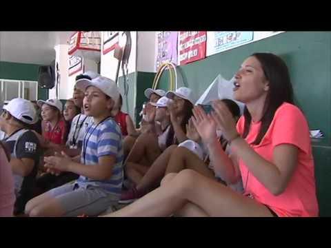 Cáritas da juego a familias con un campamento para acoger 77 niñas y niños