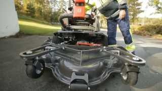 Learn how to remove the cutting deck Combi 155 on a Husqvarna P 525D Front Mower