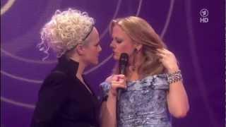 Echo 2012  Der Zungenkuss  Barbara  Schöneberger und Ina Müller