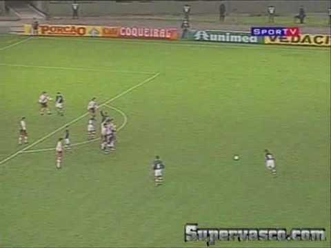 Gol do Juninho Pernambucano contra o River Plate