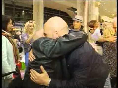 מרגש: אב פגש את ילדיו אחרי 20 שנה להורדה