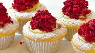 Кексы с малиной и заварным кремом. Cupcakes with raspberries and custard.