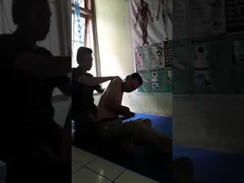 Pengobatan syaraf kejepitPengobatan syaraf kejepitpijat tulang belakang refleksi zona bekam sinergi pijat saluran urat syaraf wa. 085221258188 Abdul....