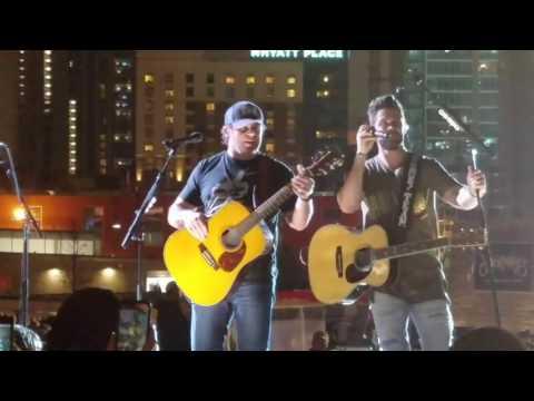 Thomas Rhett Brings Rhett Akins On Stage