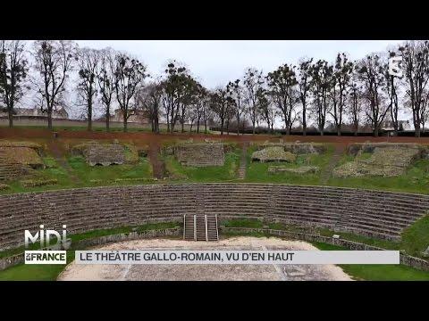 VUE D'EN HAUT : Le théâtre Gallo-Romain