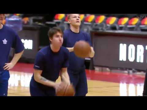 Toronto Maple Leafs shooting hoops on Raptors floor, Marner's celly is NBA level - February 2018