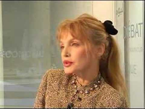3 questions to Arielle Dombasle