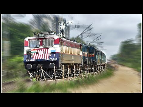 COLOURFUL ELECTRIC Leads as SLEEPING DIESEL Trails !! Indian Railways