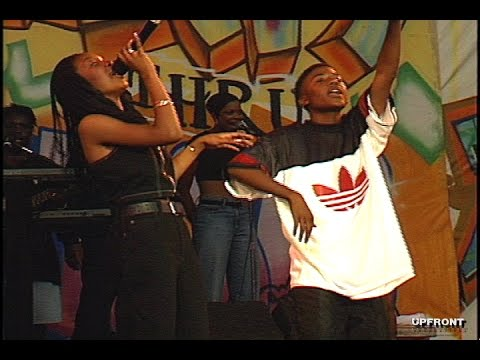Brandy and Ray J performing
