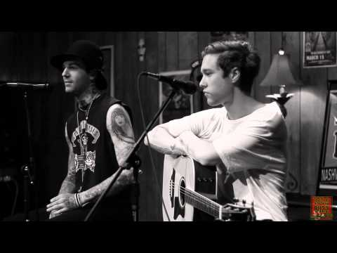 102.9 The Buzz Acoustic Session: The Neighbourhood - Interview