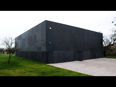 Top 15 Real Zombie Apocalypse Proof Houses