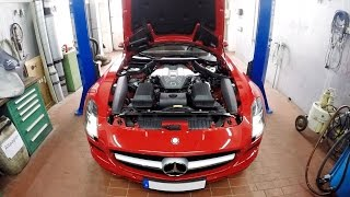 Mercedes-Benz SLS AMG - Oil Change
