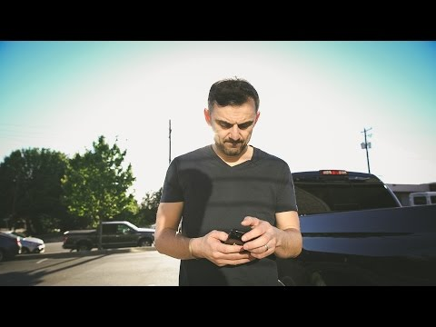 BORN TO BE THE BIGGEST BULLSHIT SALESMAN OF ALL TIME | DailyVee 219