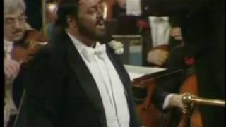Luciano Pavarotti Una Furtiva Lagrima L Elisir D Amore G Donizetti