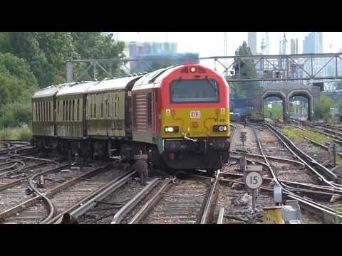 Trains at Clapham Junction 09/07/16