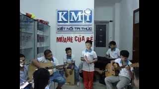Khăn quàng thắp sáng bình minh - Nhóm nhạc KMi Kids - Viện Quản Trị Tri Thức