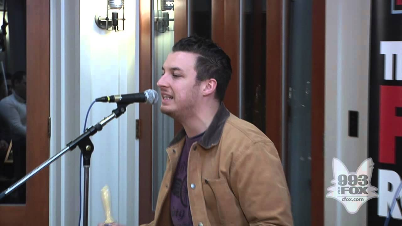 arctic-monkeys-snap-out-of-it-fox-uninvited-guest-cfoxvideos