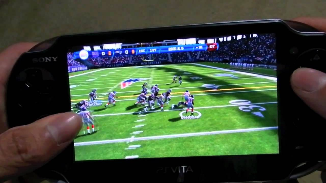 Jugando Madden NFL PS VITA - YouTube