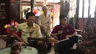 Xuân Đất Khách - Chơi tay đôi với Guitar Điền Trung luôn kkk