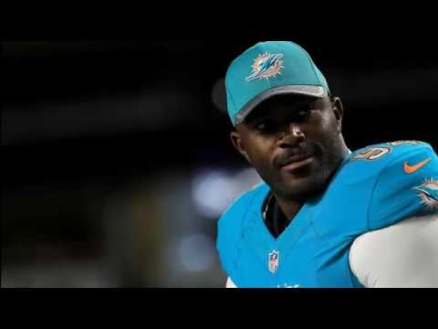 Dolphins releasing defensive end Mario Williams