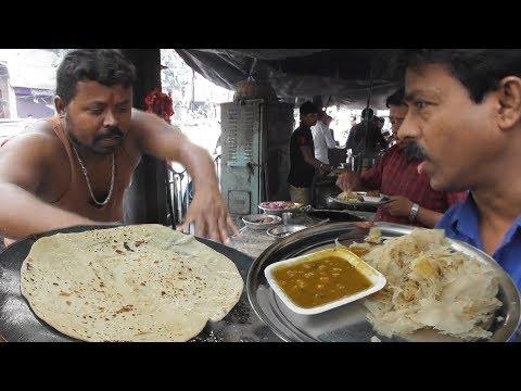 Download  Strong Indian Man Selling Jharpit Paratha - 100 gram @ 12 rs - Kolkata Street Food Gratis, download lagu terbaru