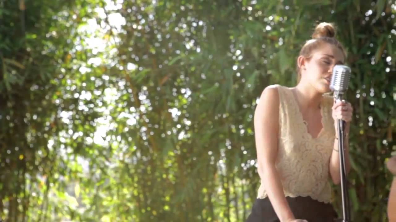 Miley Cyrus - The Backyard Sessions - Lilac Wine - YouTube