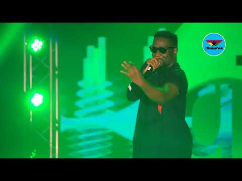 Sarkodie  performs at Glo Mega Music Show