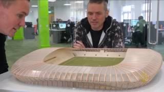 في بريطانيا.. ملعب كرة قدم من الخشب