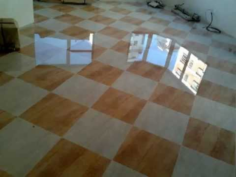 Assentamento de piso vitrificado colocado diagonal em for Azulejo vitrificado