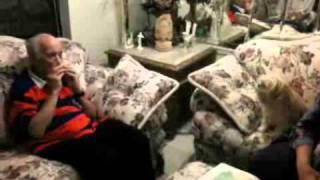 Download Video Jay Conrad Levinson éneklő kutyája MP3 3GP MP4