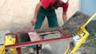 видео Как сделать вибростол для тротуарной плитки: схема и инструкция