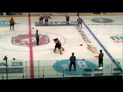 Драка: МХЛ: Андрей Белов vs Алексей Кудреман