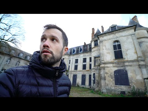 Exploration d'un château royal à l'abandon