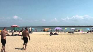 Таганрогский залив(http://youtu.be/1MY0iAuudAo Таганро́гский зали́в — расположен в северо-восточной части Азовского моря и является его..., 2013-10-19T03:03:08.000Z)