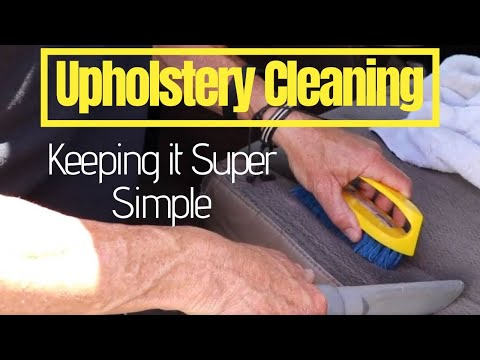 Car Upholstery Cleaning: Shampooing cloth seats the professional way
