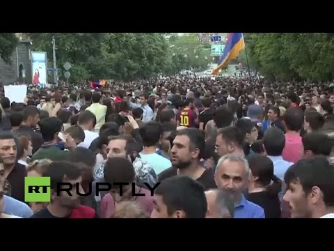 LIVE: Utility protests continue in Yerevan