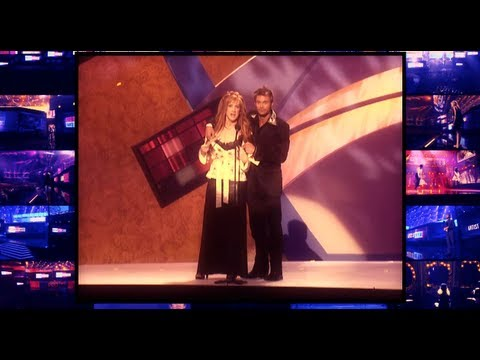 Kathy Griffin Takes Her Top Off!!! AMAs 2012