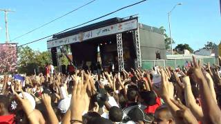 Grind Mode - She's So Fly (I'm So High) Calle 8 2011 live