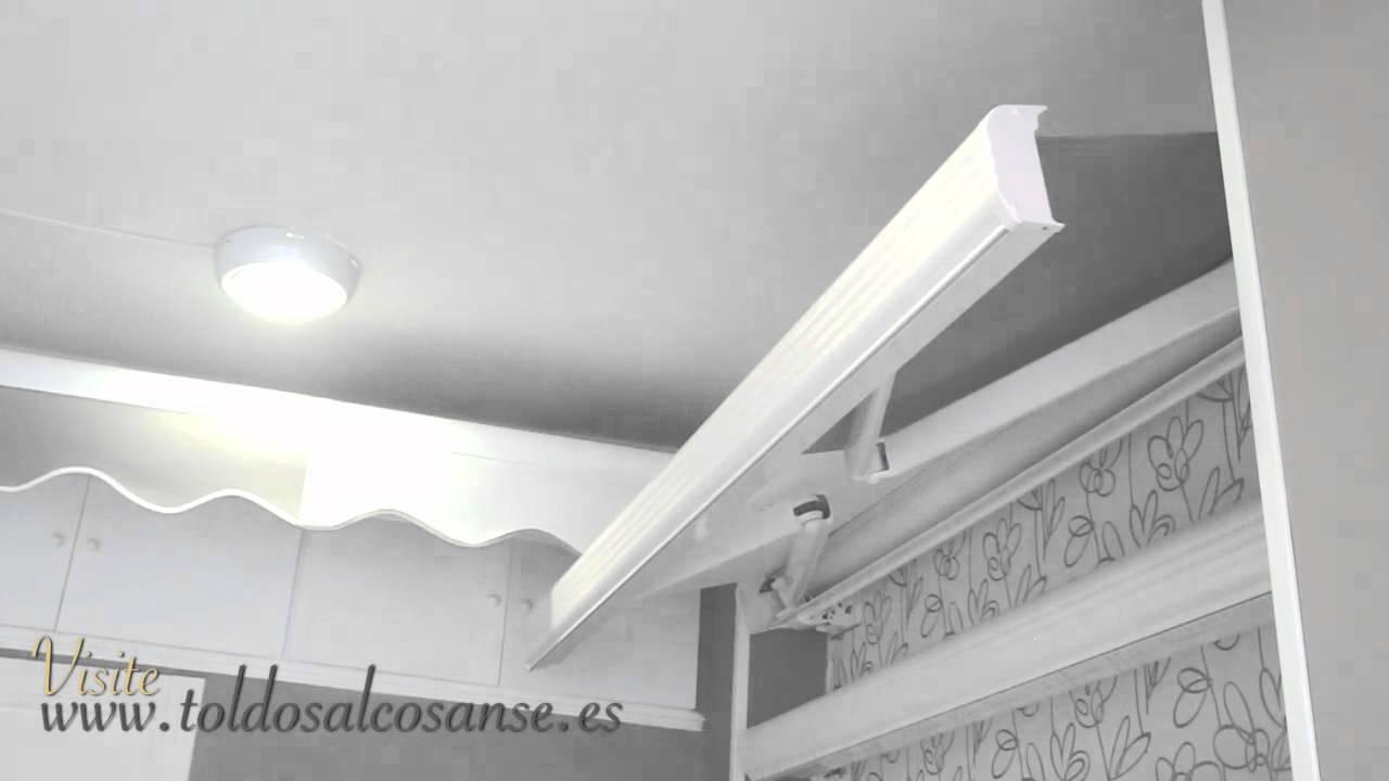 Toldos con cofre toldos para terrazas de bares youtube for Toldos verticales para terrazas