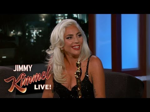 "Baixar Lady Gaga on Oscar Win & Being ""In Love"" with Bradley Cooper"